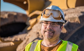Eye Protection: 4 Ways to Protect Your Eyes on the Job